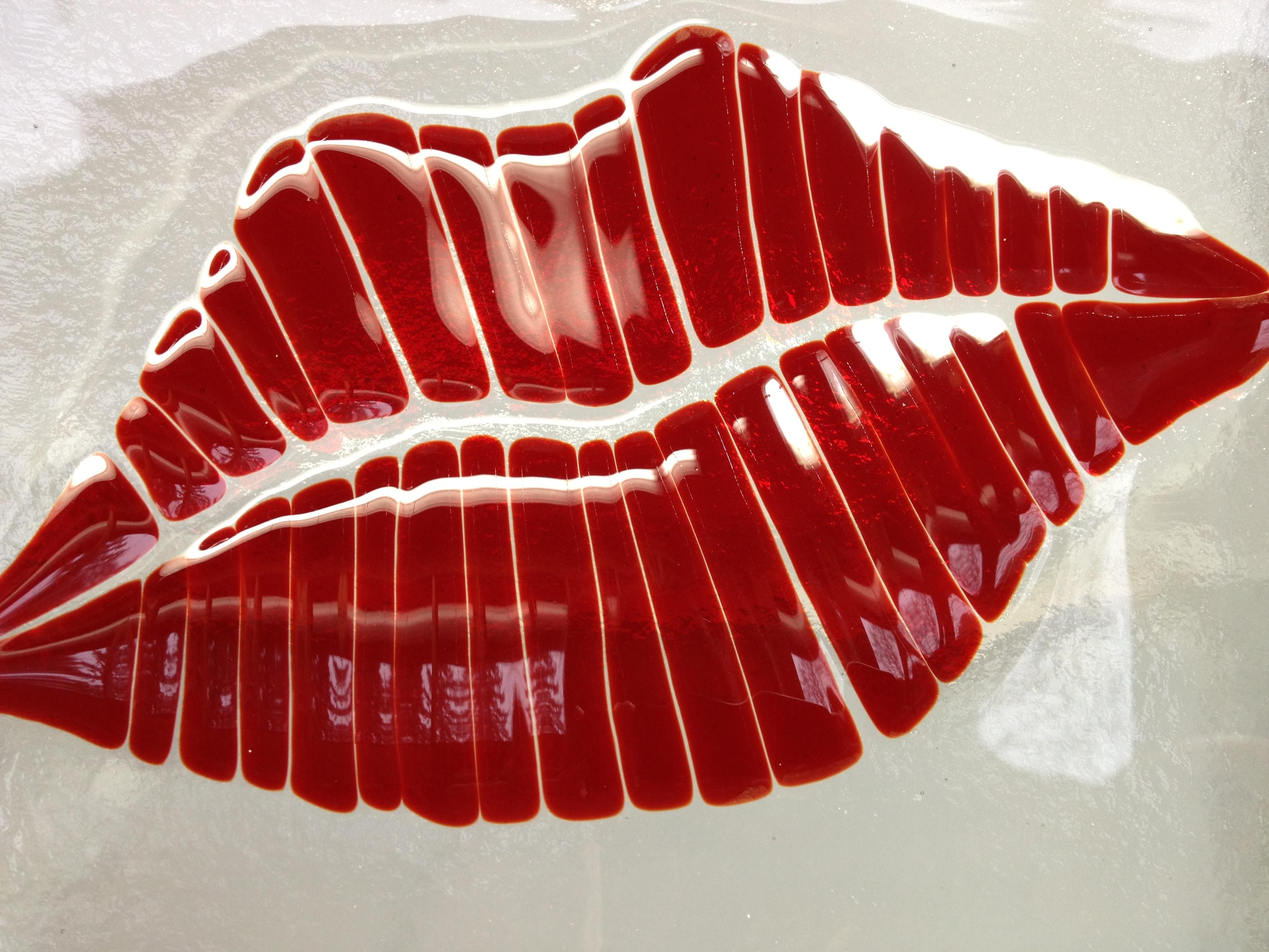 plate, lips